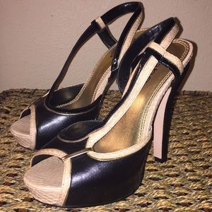 Bebe black, gold, tan heels (NWOT)
